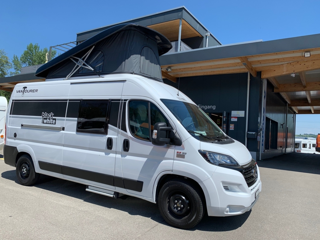 Van for 8 (8 Schlafplätze) Länge 8m - Camperland AG